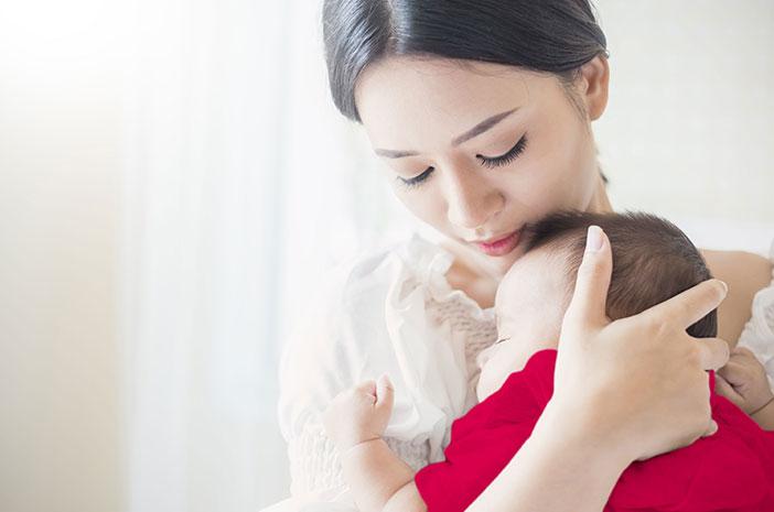 2 Tips Mengatasi Cegukan pada Bayi
