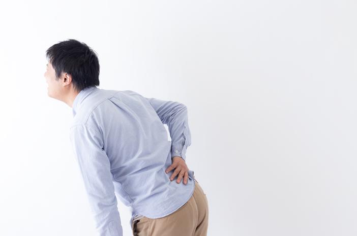 5 Kebiasaan Buruk Ini yang Picu Sakit Punggung Belakang