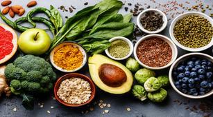 7 Makanan Alami yang Diyakini Bisa Menurunkan Kadar Asam Urat