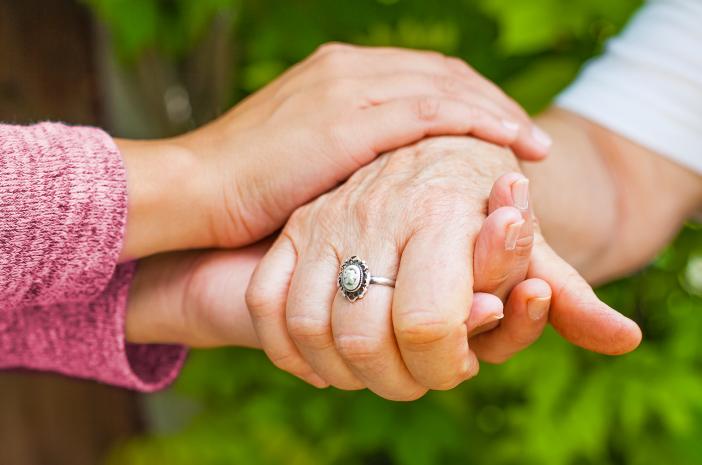 Gejalanya Mirip, Ini Perbedaan Antara Parkinson dan Dystonia
