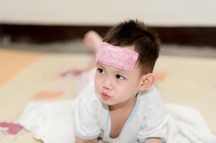 Ini yang Harus Dilakukan saat Demam pada Anak