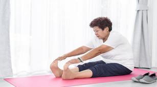 olahraga yoga bisa ringankan penyakit parkinson benarkah
