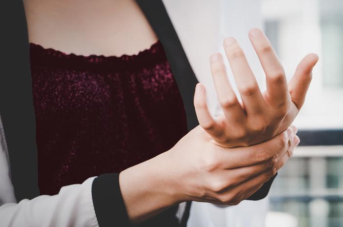 sakit seperti tertusuk jarum jadi tanda artritis gout