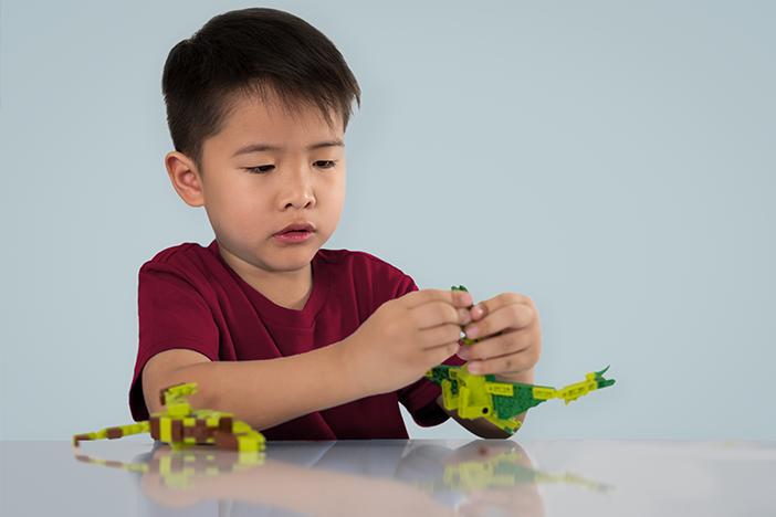 anak bermain sendiri, manfaat anak bermain sendiri