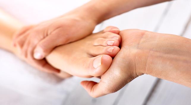 Apa Saja Penyebab Tangan & Kaki Kesemutan? Berikut Jawabannya