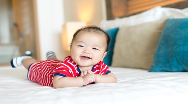 Cara Meningkatkan Kekuatan Otot Leher Bayi