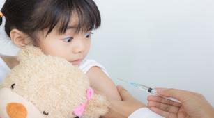 Ini yang Terjadi Jika Anak Mendapat Vaksin Palsu