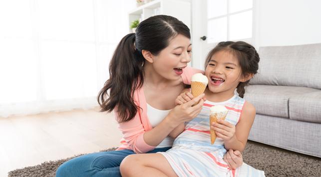 Makanan Manis atau Dingin, Mana yang Lebih Baik untuk Camilan Si Kecil?