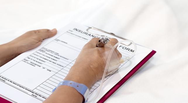 Sakit, Pilih Asuransi atau Biaya Sendiri?