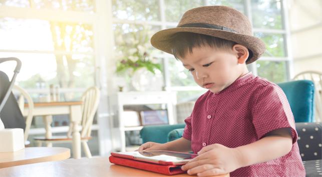 Perlu Tahu, Inilah Pengaruh Gadget pada Perkembangan Anak