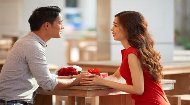 Pria Diniliai Lebih Romantis Ketimbang Wanita, Benarkah?
