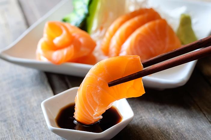 bahaya konsumsi ikan mentah, bahaya makan ikan mentah, bahaya ikan mentah, dampak makan ikan mentah