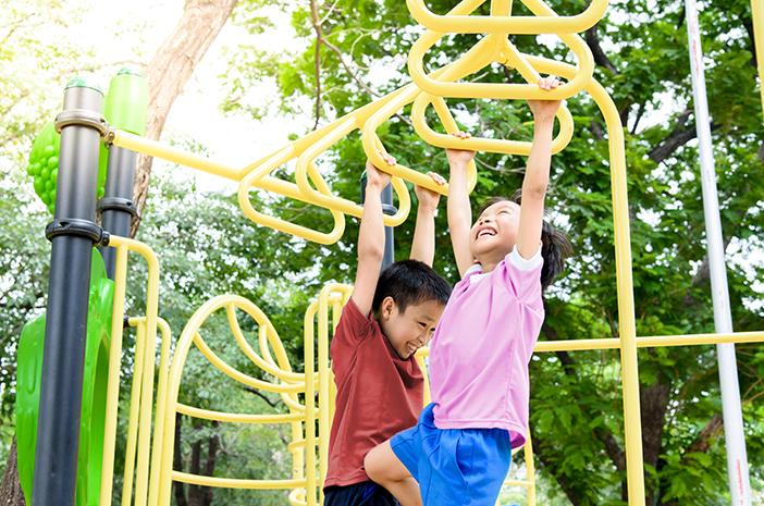 4 mainan yang dapat meningkatkan perkembangan sensorik dan motorik anak