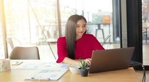 Sering Bekerja dengan Laptop, Perlukah Kacamata Anti-radiasi?