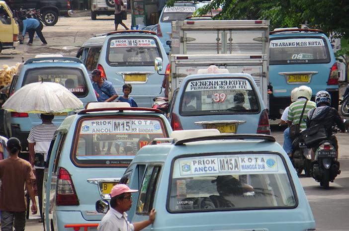 Sering Naik Angkutan Umum, Waspadai Gejala TBC