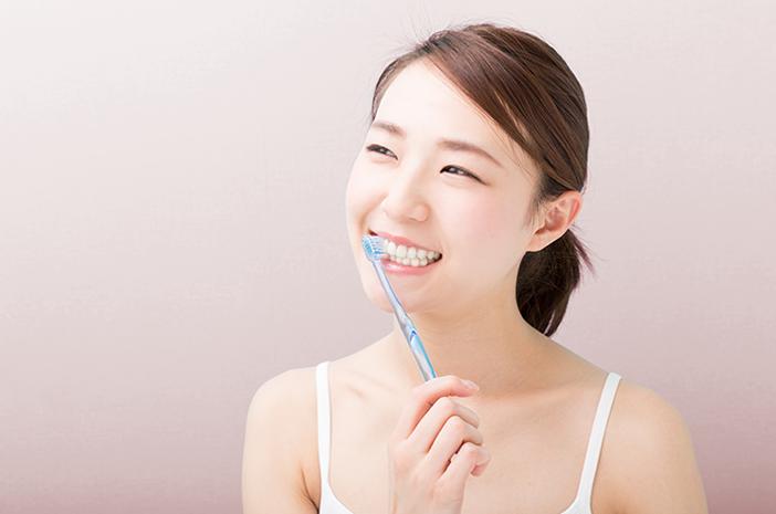 Enggak Cukup Sikat Gigi, Ini 4 Cara Mengatasi Bau Napas Tak Sedap