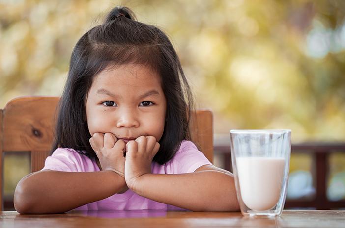 7 Tanda Mengenali Alergi Susu pada Anak