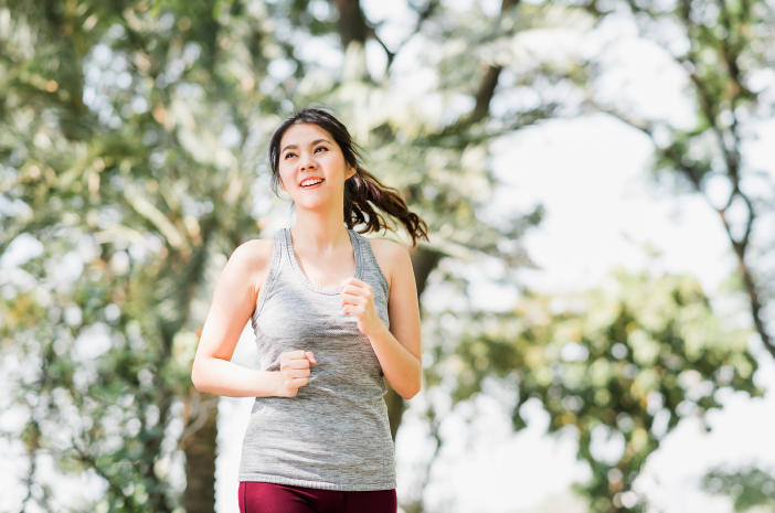 4 olahraga ringan yang cocok dilakukan pagi hari