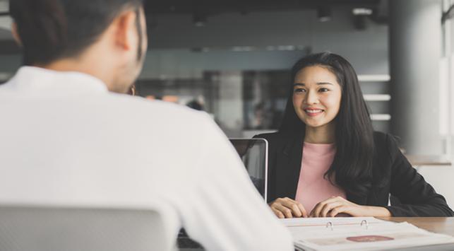 Bagaimana Mengatasi Keringat Berlebih saat Wawancara Kerja?