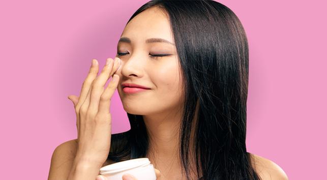 Pentingnya Penggunaan Eye Cream Cegah Penuaan Dini