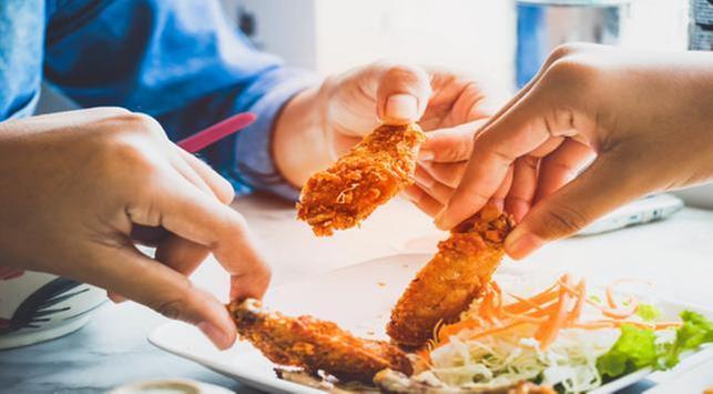 4 Bahaya Makan Gorengan untuk Saat Berbuka