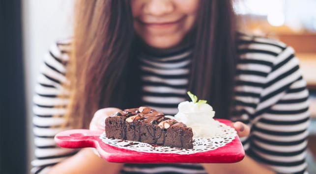 4 Kebiasaan Makan yang Perlu Dihindari saat Buka Puasa