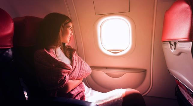 manfaat duduk dekat jendela pesawat, perjalanan pesawat sehat, tips sehat dalam pesawat
