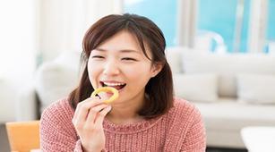 Perlunya Bersendawa Setelah Makan