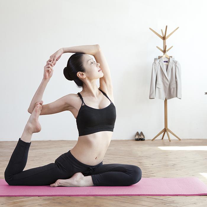 bikram yoga, olahraga,yoga,menurunkan berat badan,bikram yoga menurunkan berat badan