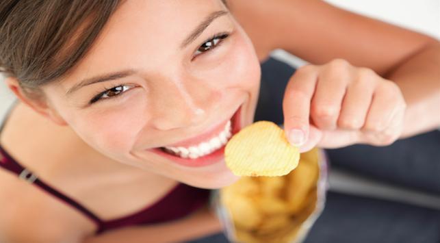 Cara sehat makan camilan dalam kemasan, camilan dalam kemasan, makanan camilan