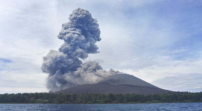 Anak krakatau meletus, krakatau, krakatau meletus