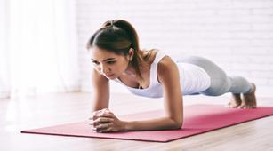 Maksimalkan Plank dengan 7 Cara Ini
