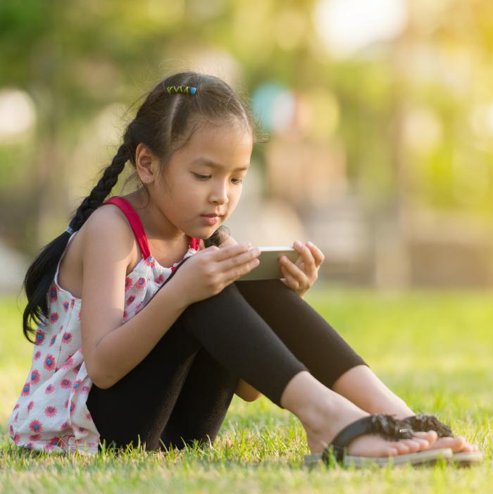 dampak gadget,dampak gadget bagi perkembangan anak