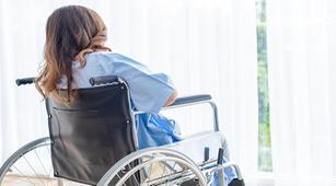 Benarkah Cedera Saraf Tulang Belakang Bisa Menyebabkan Lumpuh?