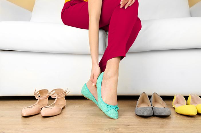 Sering Pakai Flat Shoes Bisa Sebabkan Plantar Fasciitis?