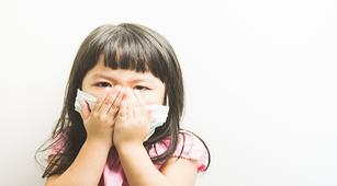 Ini 7 Cara Alami Redakan Batuk Berdahak pada Anak