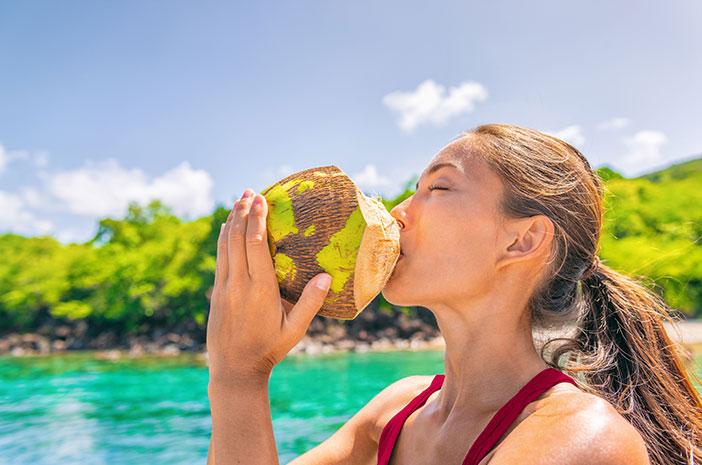 Ini 6 Efek Samping Air Kelapa Bagi Kesehatan
