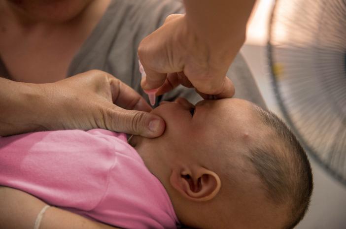 Ini Perbedaan Vaksin Polio Tetes dan Vaksin Polio Suntik
