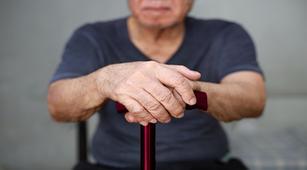 Kenali 4 Tanda Awal Penyakit Parkinson