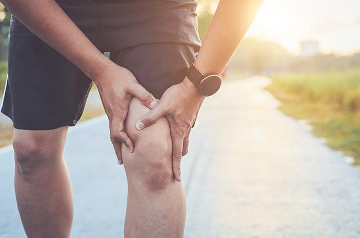 Ketahui Penyebab Sakit Lutut Parah yang Tak Tertahankan