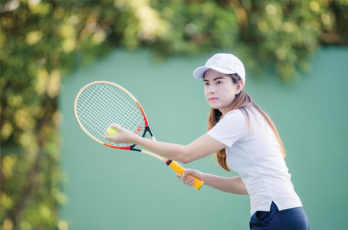 tennis elbow, penyakit yang diakibatkan terlalu sering main tenis, benarkah?