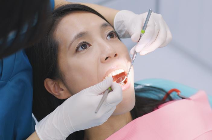 5 Cara Mengobati Sakit Gigi Berlubang